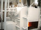 焼却炉外壁100℃を50℃にして放熱防止・保温効果を目的に 焼却作業中にCC100をガン吹き塗布